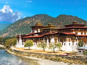 travelling-in-bhutan-tours-and-vacation-packages-1503462771-1920X700